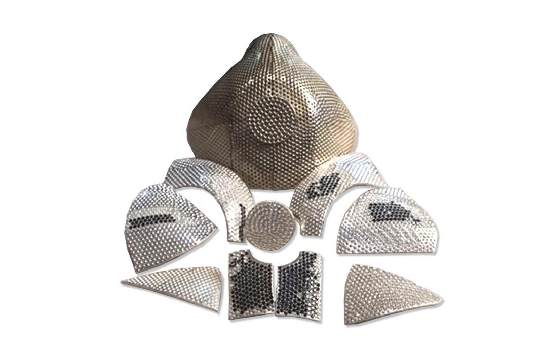 Un masque de coronavirus en or et diamants